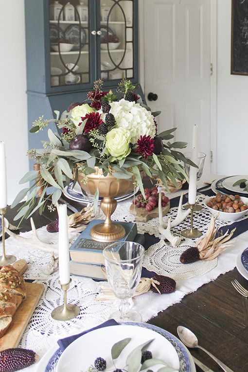 blue and whitethanksgiving tablescape