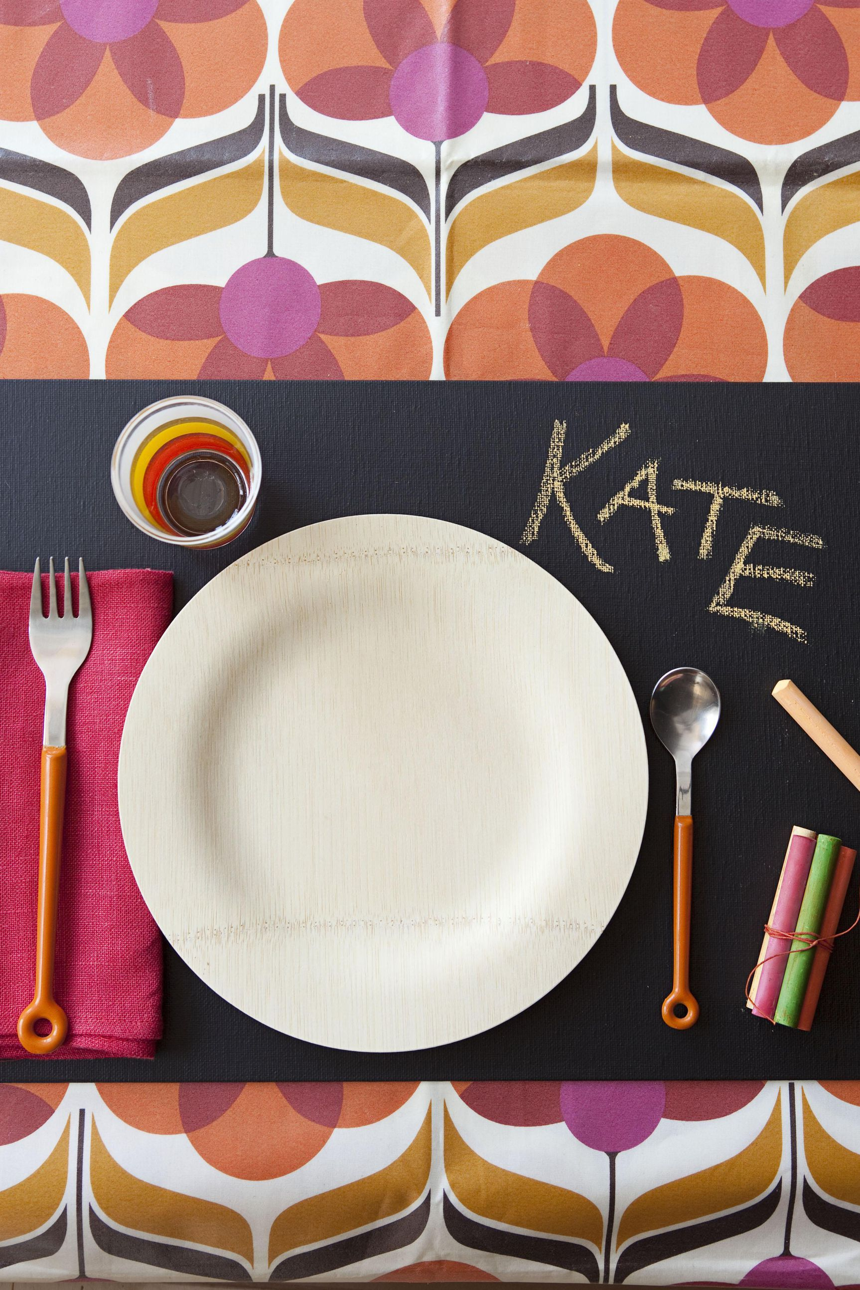chalkboard placemat thanksgiving table setting idea