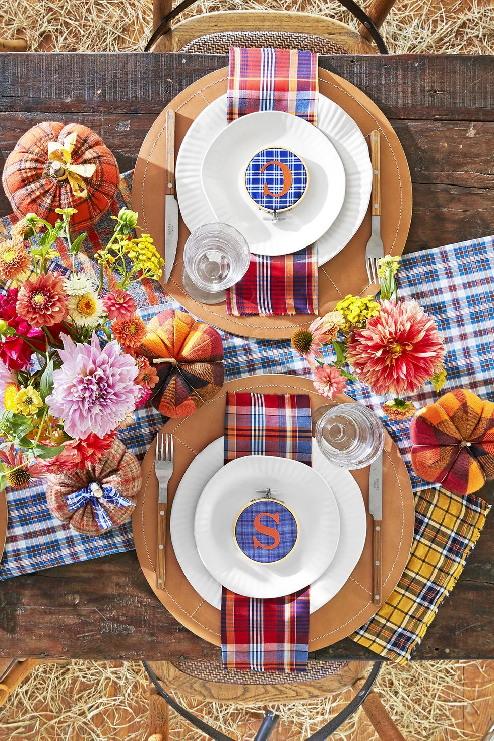 plaid fall thanksgiving table setting
