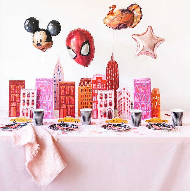 thanksgiving day parade themed thanksgiving table for kids