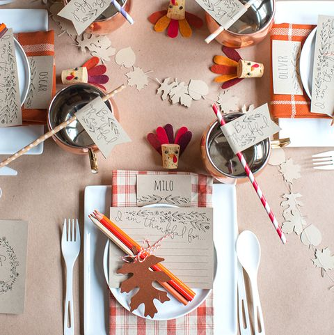 plaid thanksgiving tables for kids