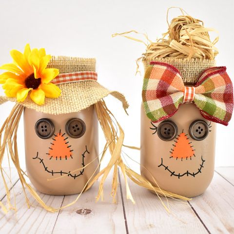 scarecrow mason jar centerpiece for thanksgiving tables for kids