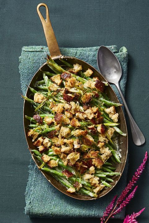 thanksgiving vegetables - green bean and cheddar casserole