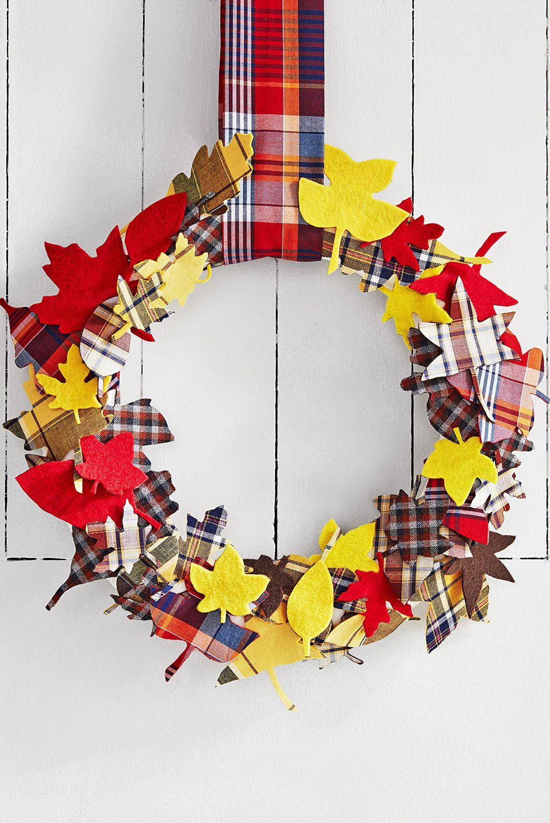 thanksgiving wreaths plaid leaves