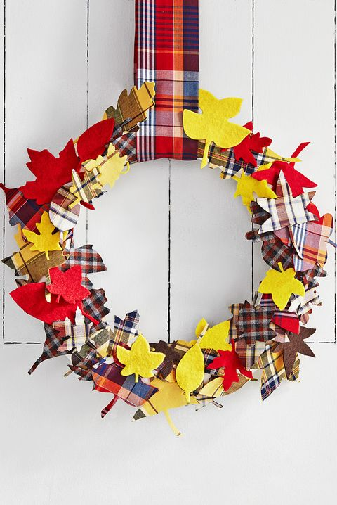 thanksgiving wreaths plaid leaves