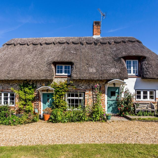 thatched cottage for sale in hampshire