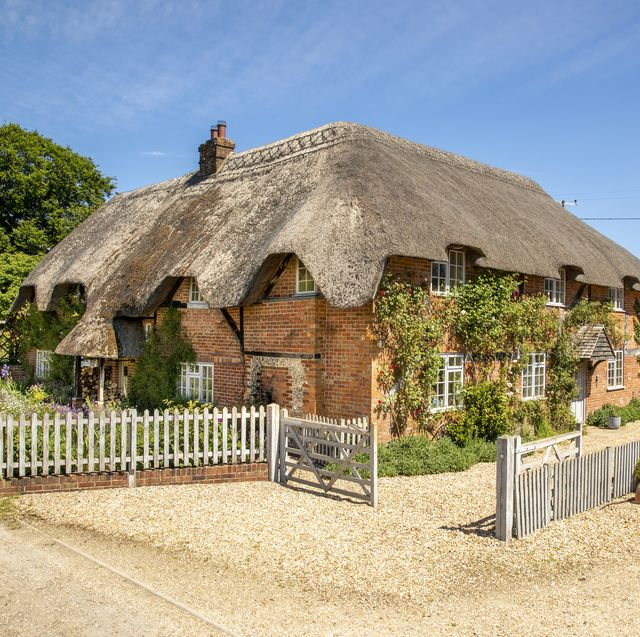This charming 16th century thatched cottage in Wiltshire needs new owners