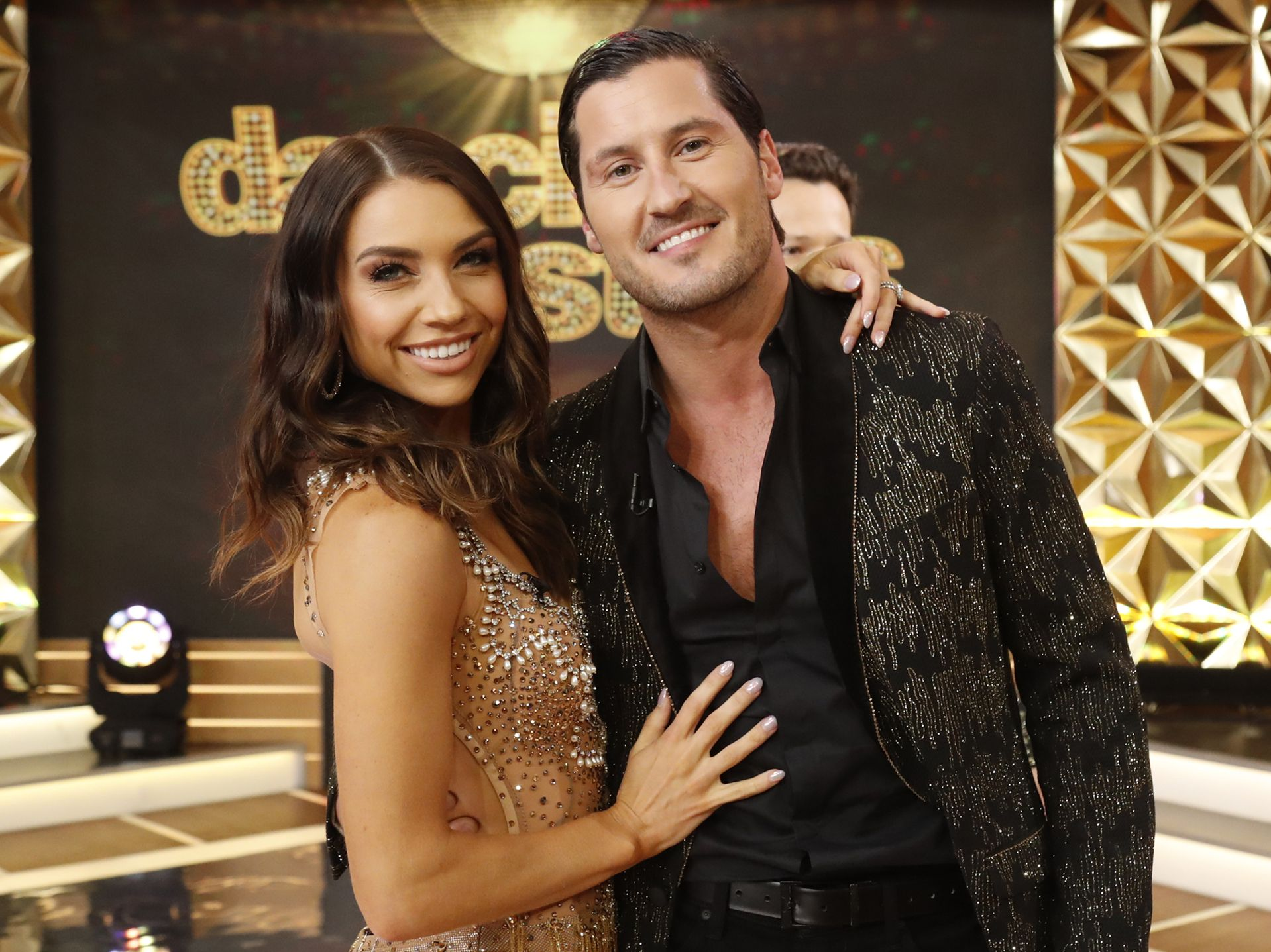 max dwts dating 2021)