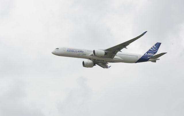 paris air show takes off