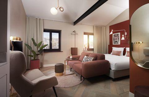 Living room, Interior design, Room, Furniture, Ceiling, Property, Building, Floor, Wall, Lighting,