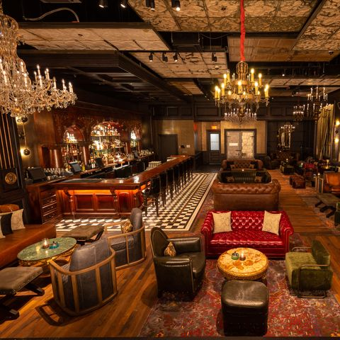 Interior design, Building, Room, Function hall, Restaurant, Table, Tavern, Furniture, Architecture, Bar,