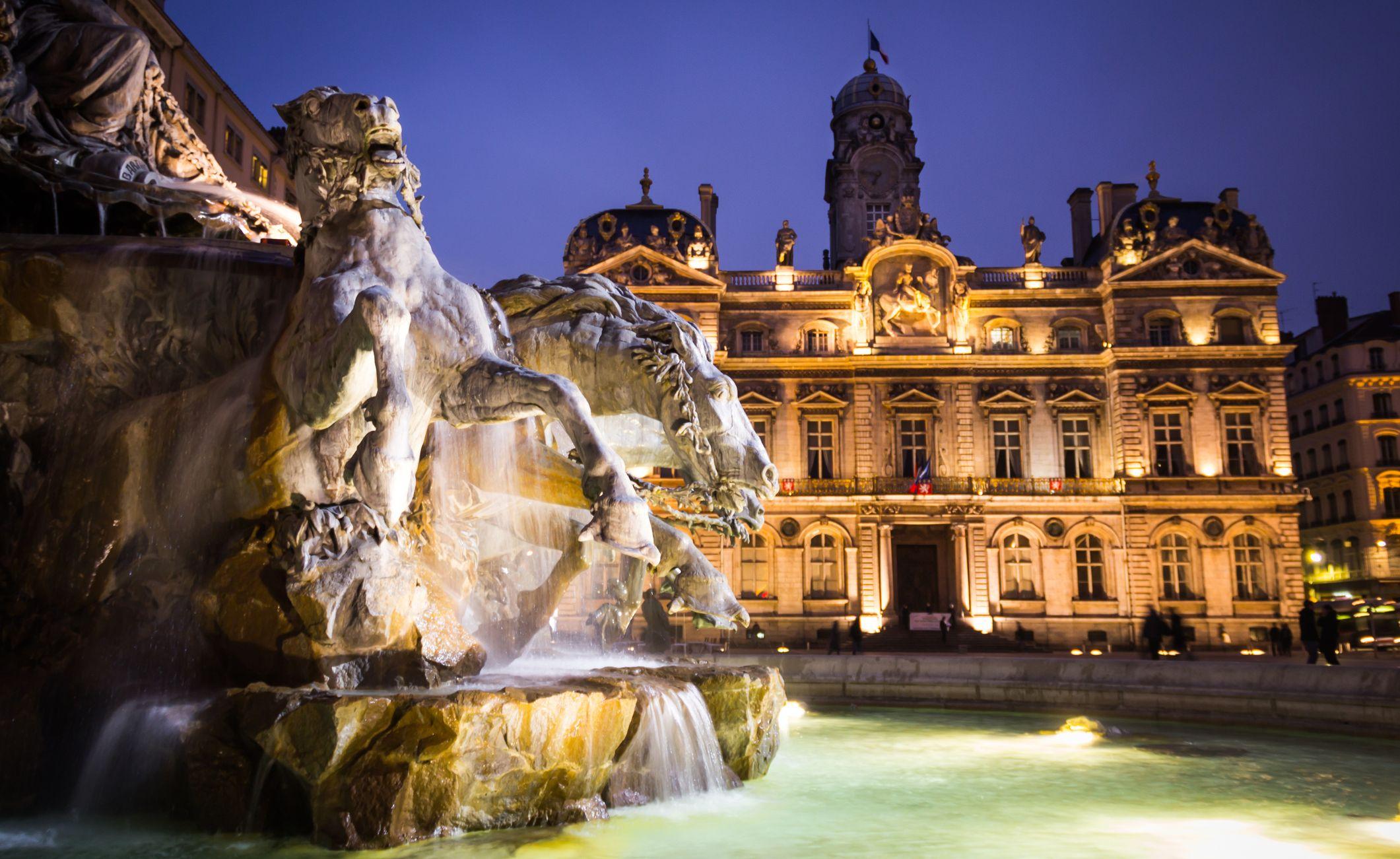 The Bartholdi Fountain and City Hall of Lyon