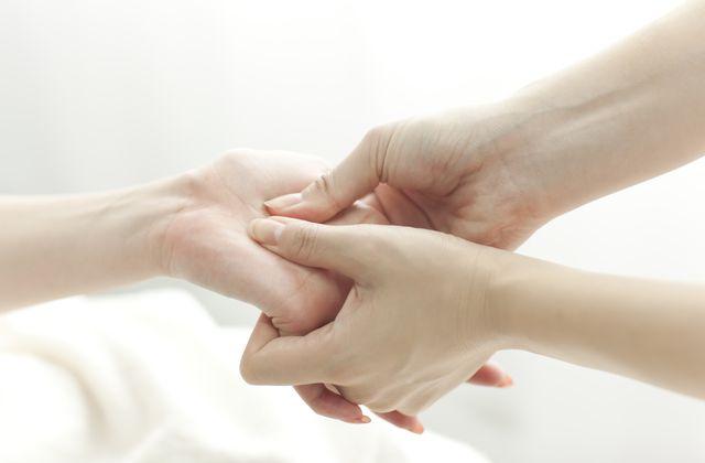 ハンドマッサージャーおすすめ8選|仕事で疲れた手や指をケア