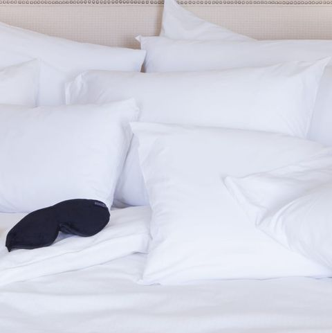 Bedding, Bed sheet, White, Bed, Furniture, Pillow, Bedroom, Room, Duvet cover, Suite,