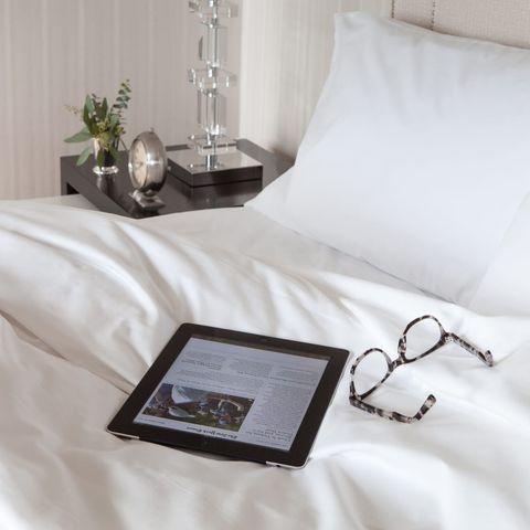Bed sheet, Bedding, Bedroom, Bed, Furniture, Textile, Duvet, Pillow, Linens, Room,