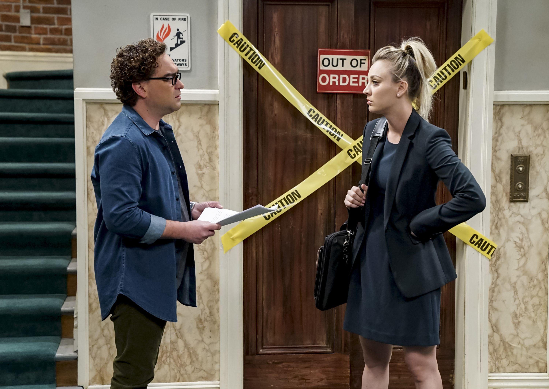 Johnny Galecki e Kaley Cuoco in The Big Bang Theory