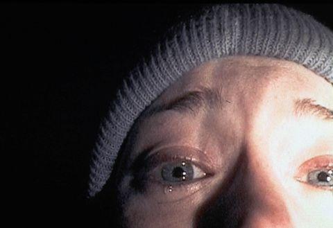 imagen de heather donahue, llorando en primer plano en el proyecto de la bruja de blair