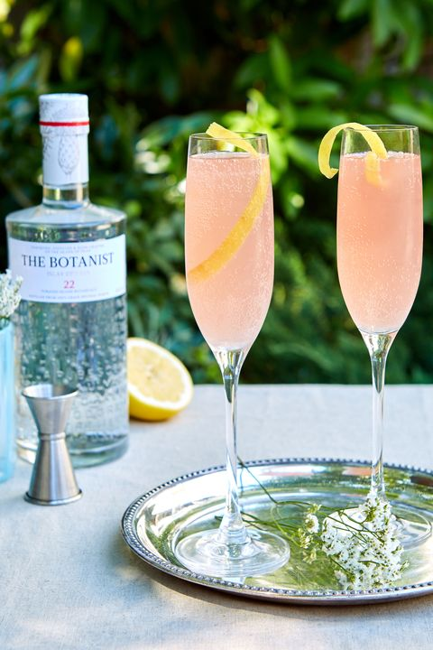 Drink, Champagne cocktail, Alcoholic beverage, Cocktail, Distilled beverage, French 75, Classic cocktail, Non-alcoholic beverage, Spritzer, Paloma,