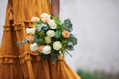 Bouquet, Flower Arranging, Flower, Floral design, Floristry, Cut flowers, Plant, Garden roses, Dress, Rose,