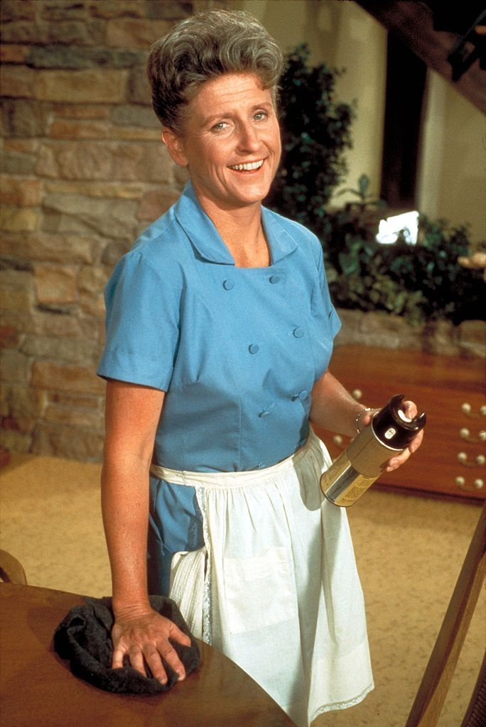 Image result for photo alice the maid on brady bunch