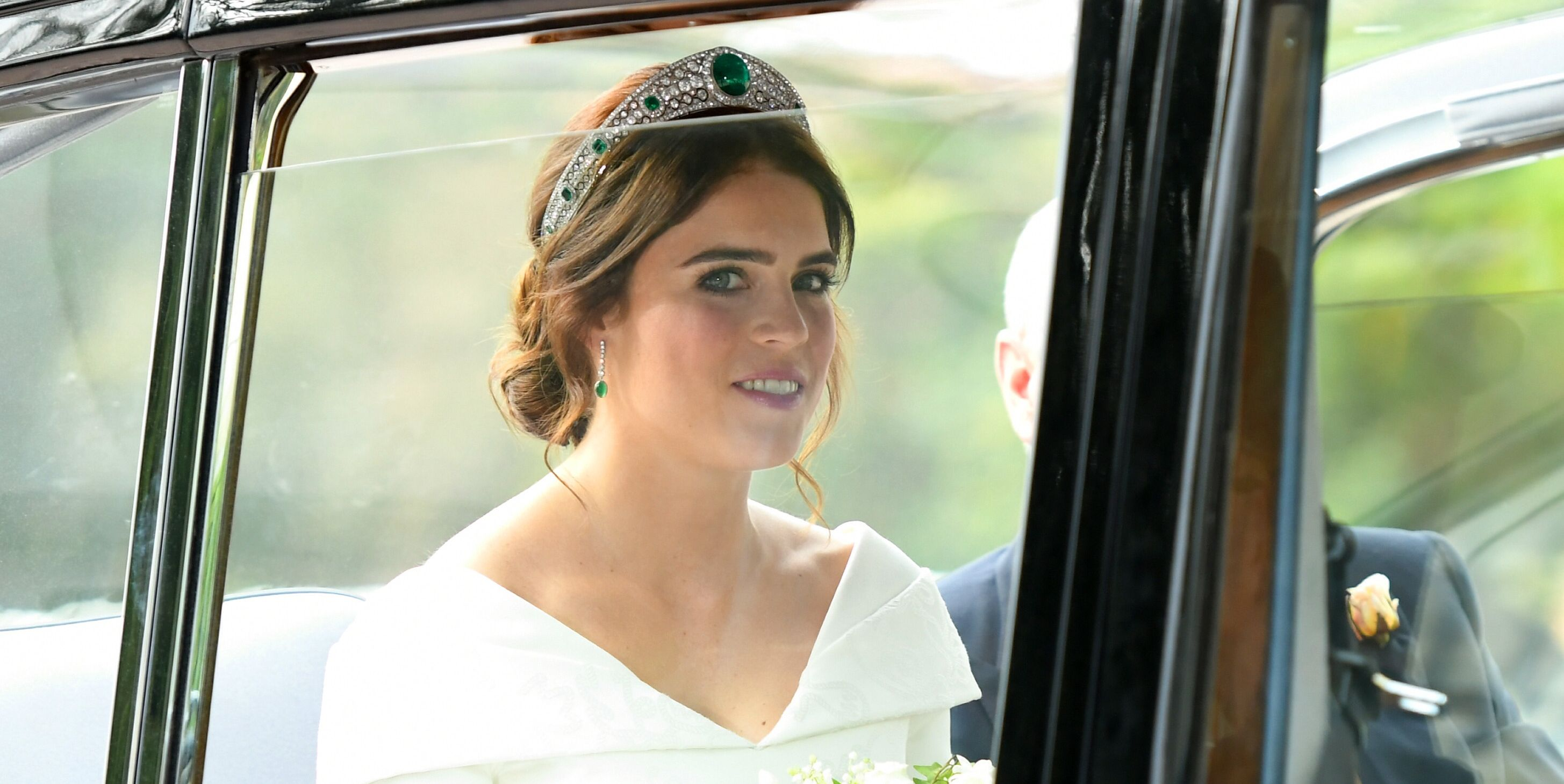 Is It Just Me, or Does Princess Eugenie's Royal Wedding Look Give Serious Princess Ariel Vibes?