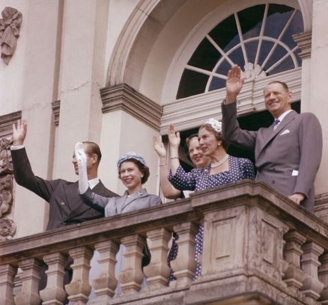 royal wave 英國皇室,英國女王,丹麥皇室,丹麥女王,伊莉莎白二世,瑪格麗特二世,皇室