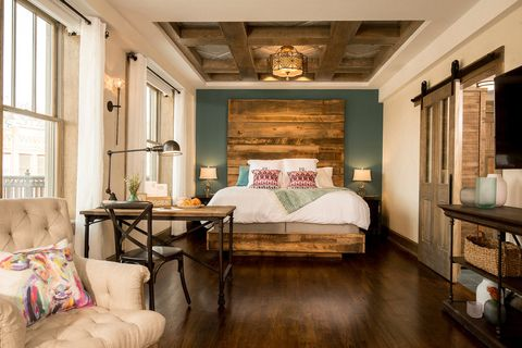 Furniture, Room, Interior design, Bedroom, Property, Bed, Ceiling, Bed sheet, Floor, Building,