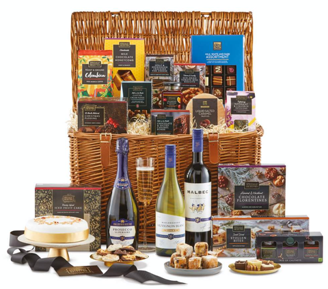 Christmas Hamper Ideas.Aldi S Sell Out Luxury Christmas Hampers Are Back Again This