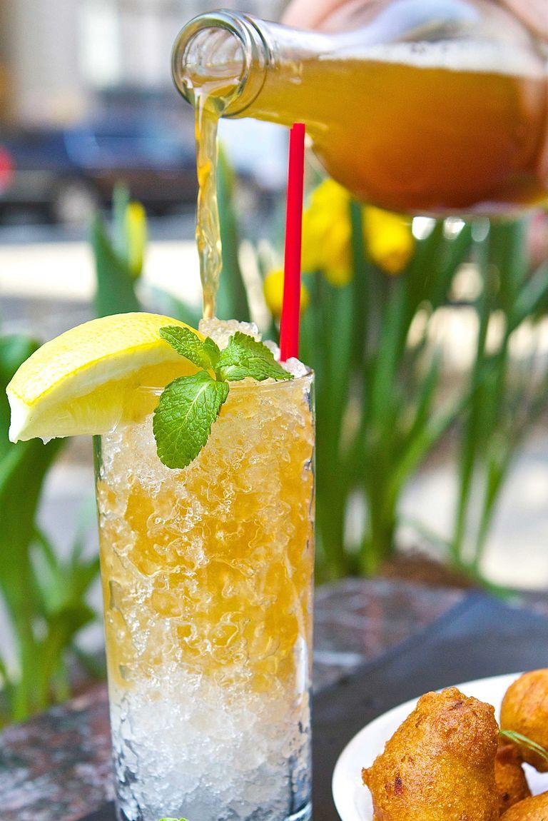 12 easy pitcher cocktails best drink pitcher recipes for for Pitcher drink recipes for parties