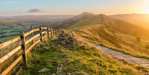 Nature, Mountainous landforms, Hill, Sky, Mountain, Grassland, Highland, Atmospheric phenomenon, Grass, Morning,