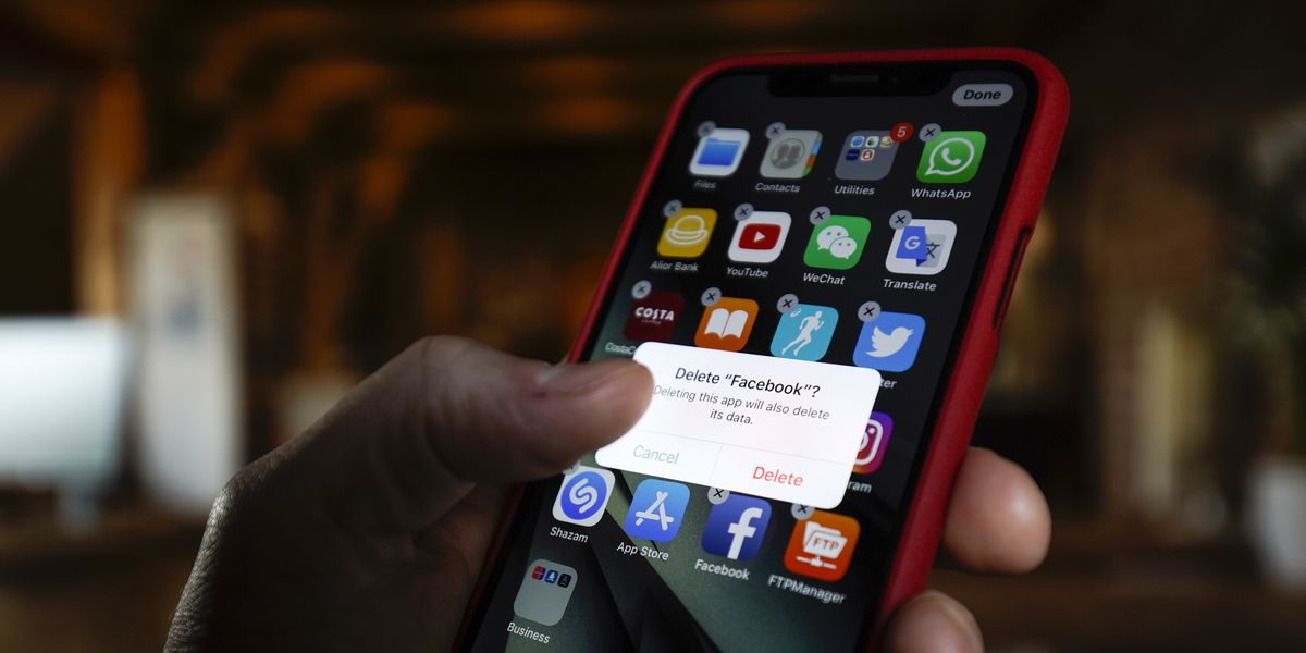 7 Apps You Should Delete from Your Phone Right Now