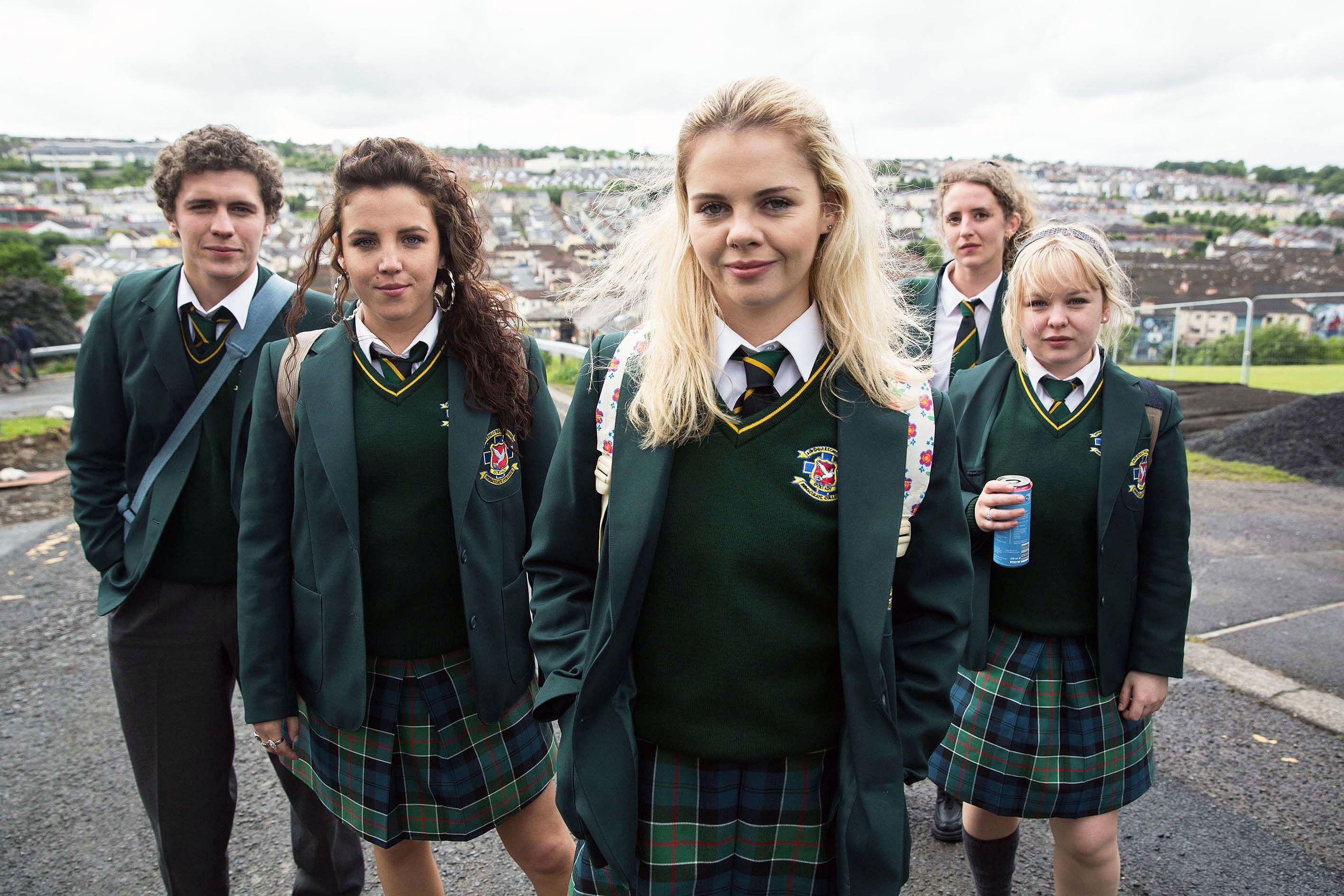 Protagonistas de la serie Derry Girls