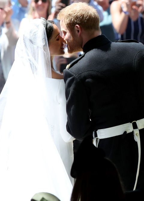 Meghan Markle And Prince Harry S Royal Wedding Guide To The Dress