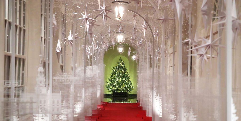 White House Christmas Decorations 2021 Meme Melania Trump Unveils The White House Christmas Decorations 2019 White House Christmas Photos