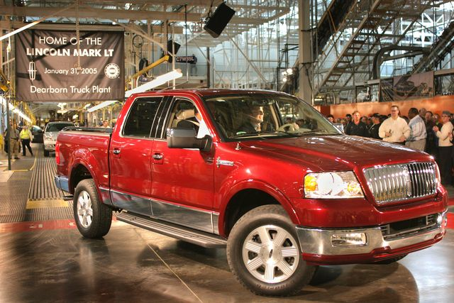 lincoln begins manufacturing luxury pickup truck