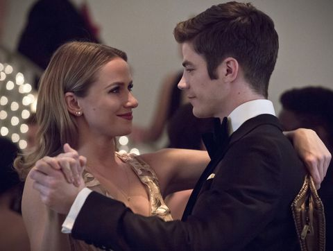 the flash    potential energy    image fla210b0078b    pictured l r shantel van santen as detective patty spivot and grant gustin as barry allen    photo katie yuthe cw    © 2016 the cw network, llc all rights reserved