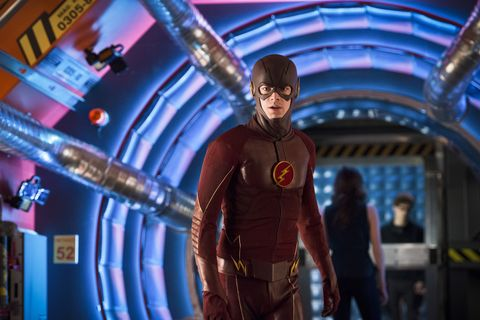 the flash    flash back    image fla217b0308bjpg    pictured grant gustin as the flash    photo diyah perathe cw    © 2016 the cw network, llc all rights reserved