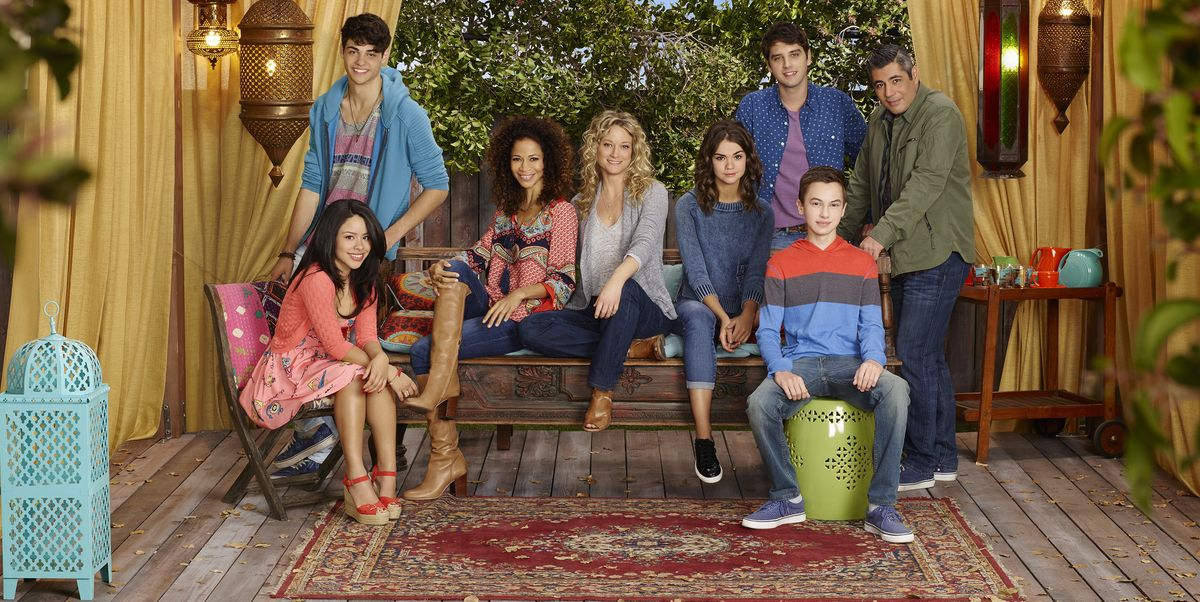 "The Cast of ""The Fosters"" To Reunite for a Special Reading of the First Episode"