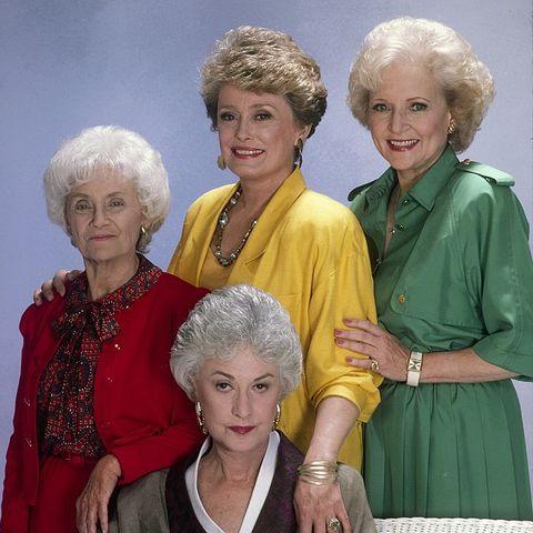 """""""The Golden Girls"""" Netflix New Show Jane Lynch Cyndi Lauper"""