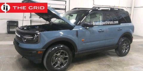 Land vehicle, Vehicle, Car, Alloy wheel, Sport utility vehicle, Bumper, Automotive tire, Tire, Automotive exterior, Fender,