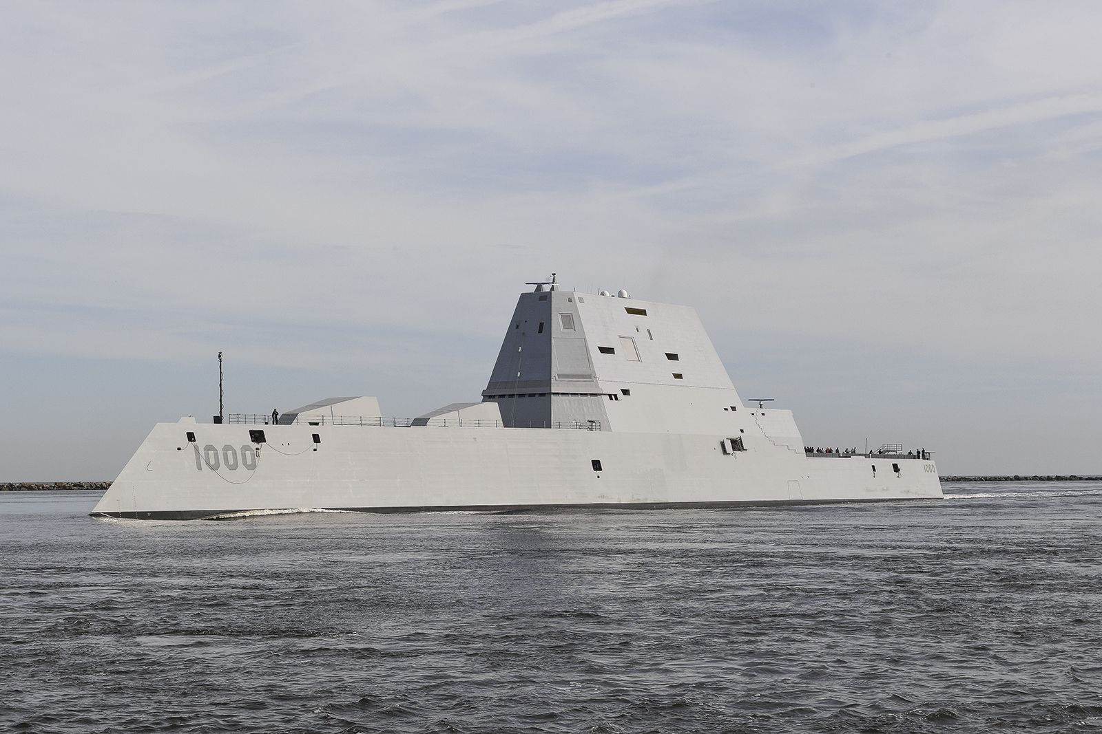 How the Zumwalt's Strange Design Actually Helps It Handle Rough Waters