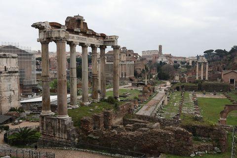 Citta Fantasma: Rome On Coronavirus Lockdown
