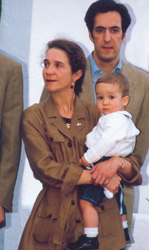 THE SPANISH ROYAL FAMILY IN THE CANARY ISLANDS