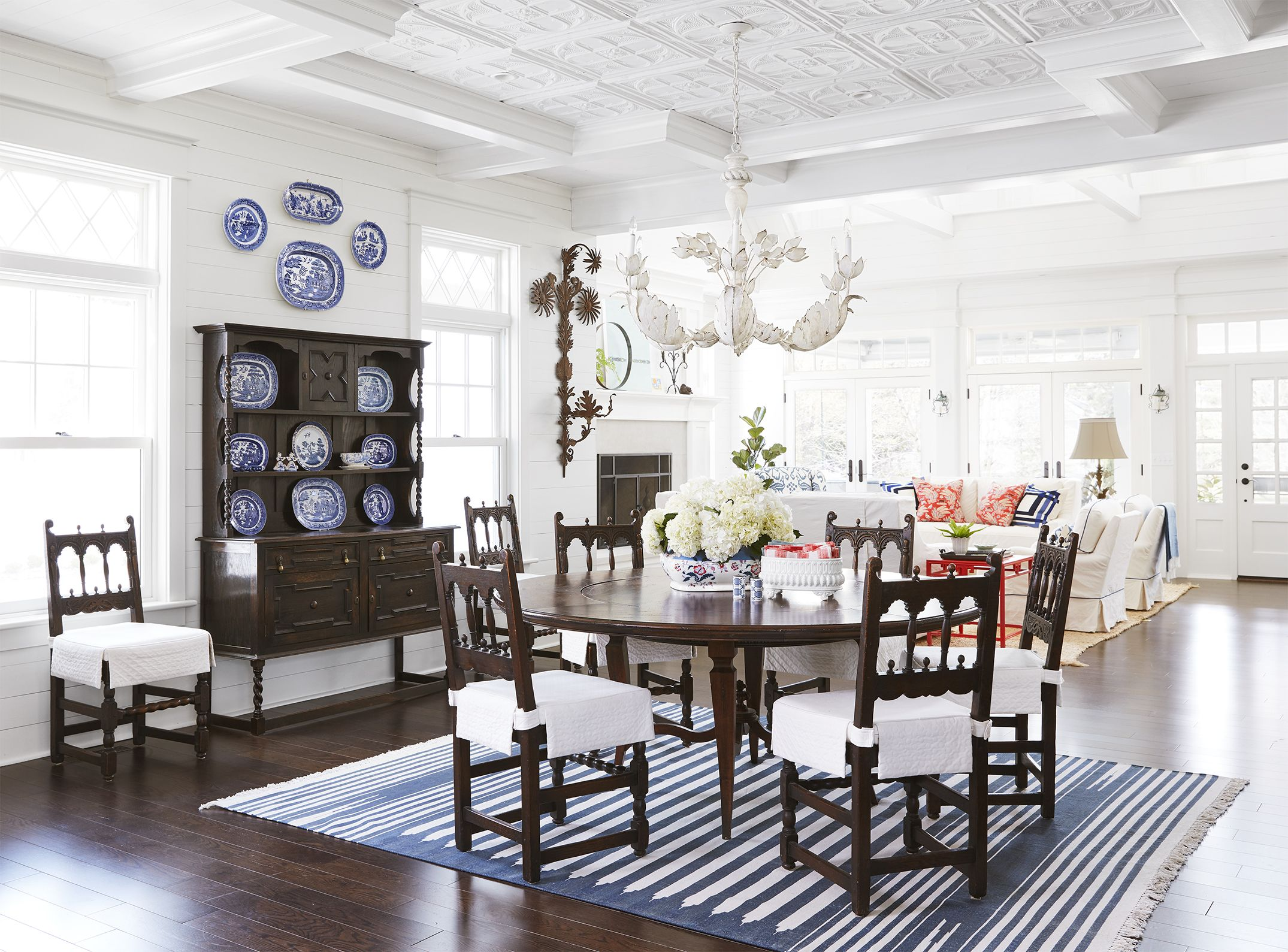 Dining Room Lake House Decorating Ideas   Cottage Decor Inspiration