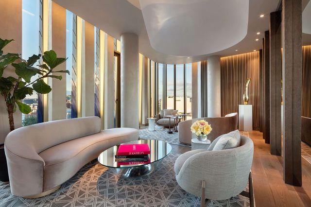 il nuovo hotel di lusso a londra the londoner