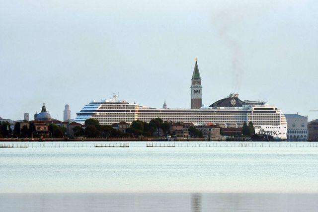 italy tourism transport ship venice