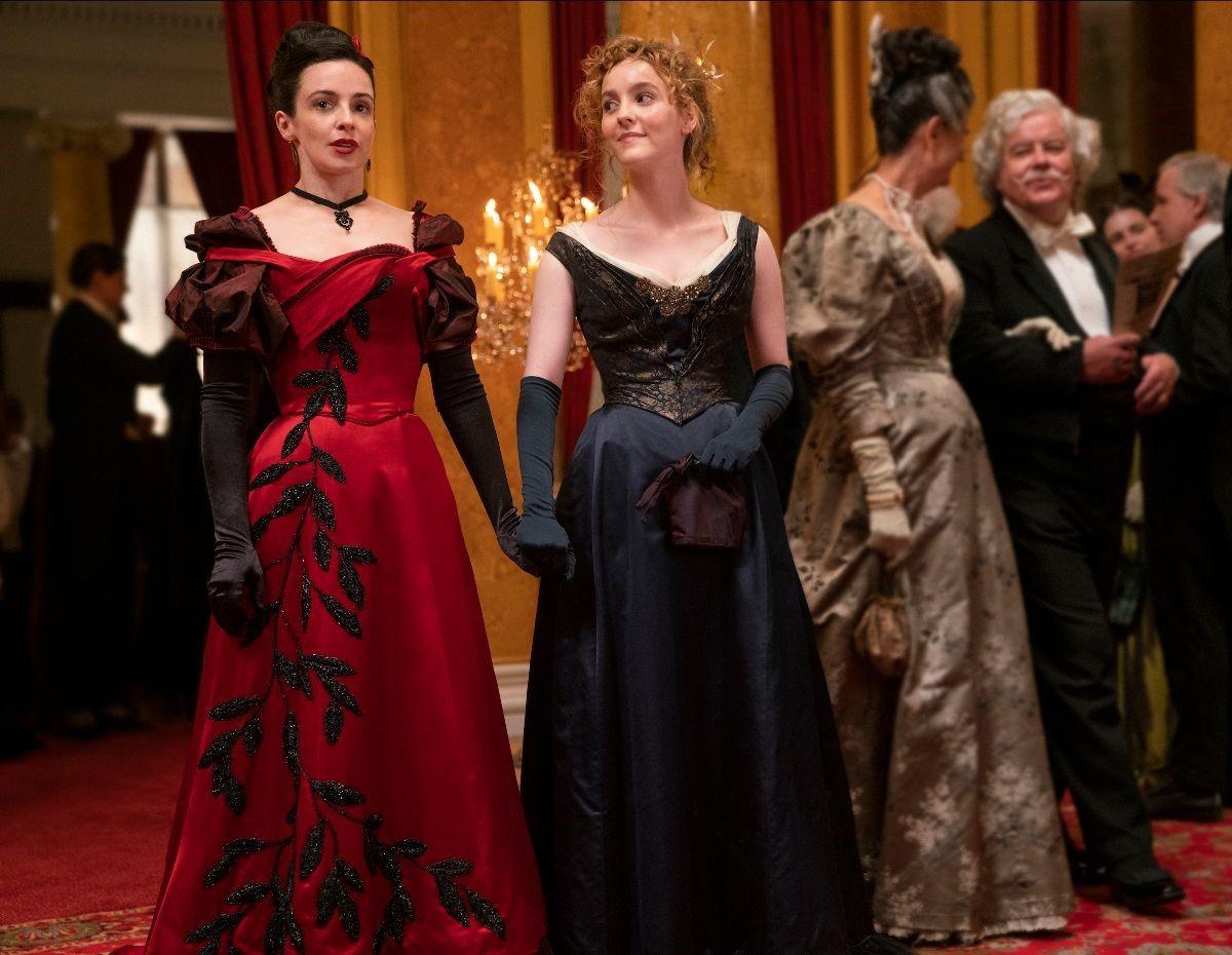 La serie The Nevers mixa fantasy, drama in costume e storie di donne. Scommettiamo che la adorerai?