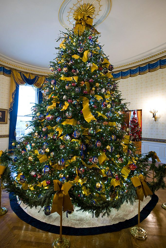 40 Best Christmas Trees Ever White House Rockefeller Center More Dazzling Decorated
