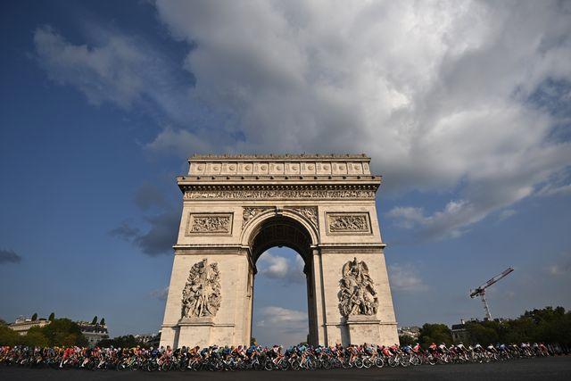 tour de france a parigi