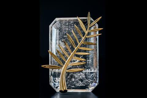 ショパールが作るカンヌ国際映画祭のトロフィー「パルムドール」は水晶とエシカルゴールド製